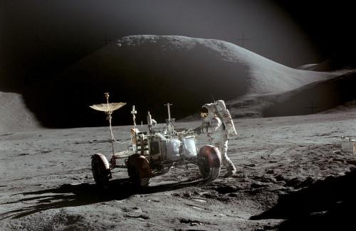 1200px-Apollo_15_Rover,_Irwin